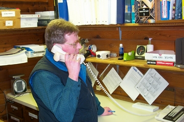 Our Experienced staff consuling on the phone